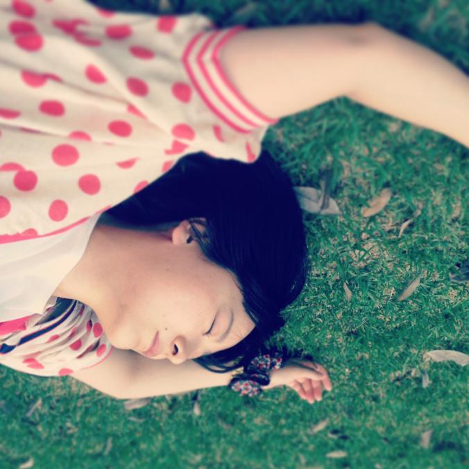 無料開放の新宿御苑で昼寝して、